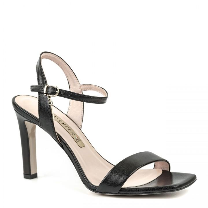 Czarne skórzane sandały na szpilce zakończone kwadratowym noskiem zapinane wokół kostki