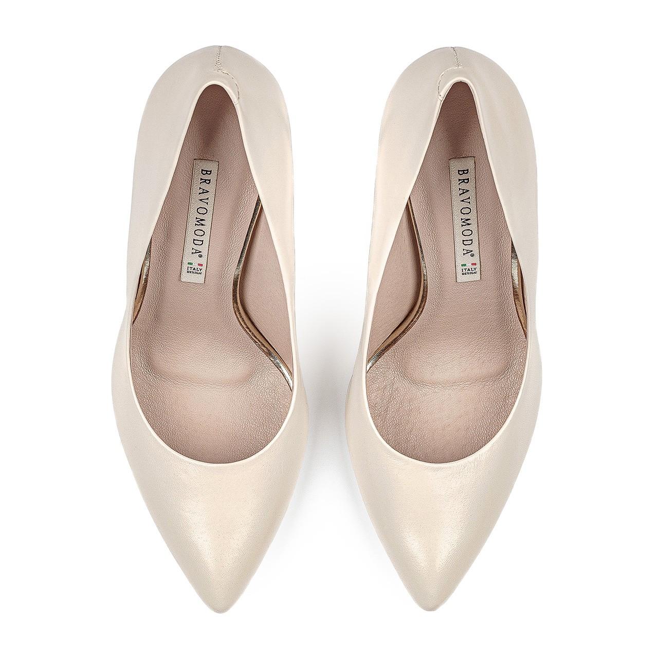 Buty ślubne na wysokim obcasie