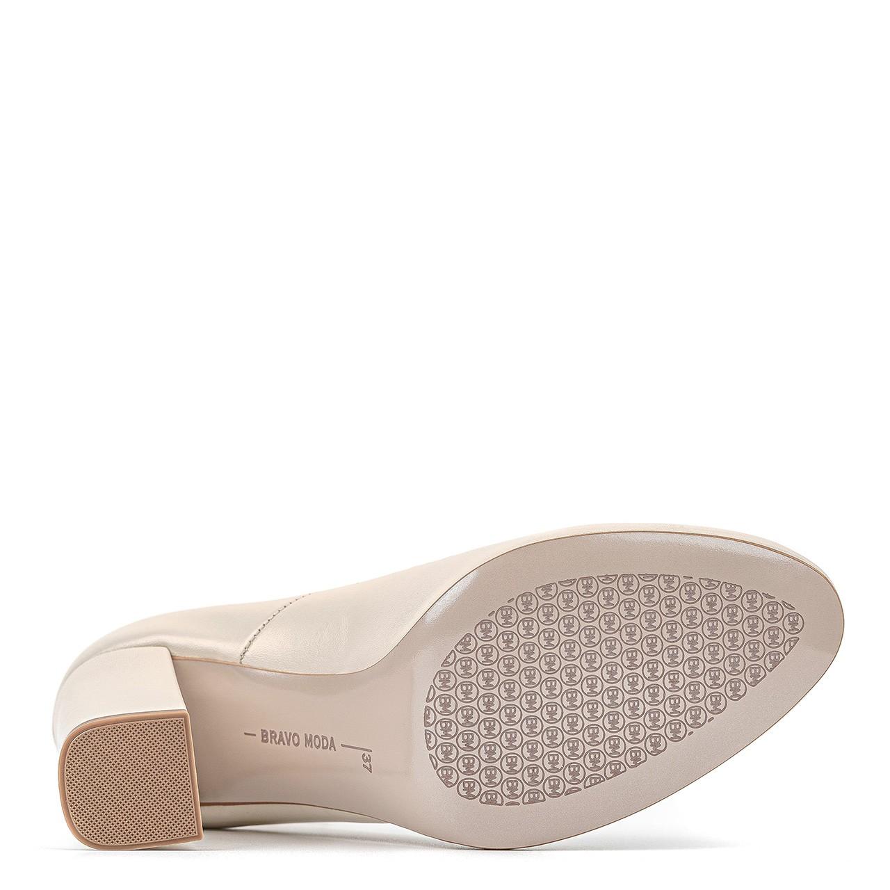 Kremowe skórzane buty ślubne