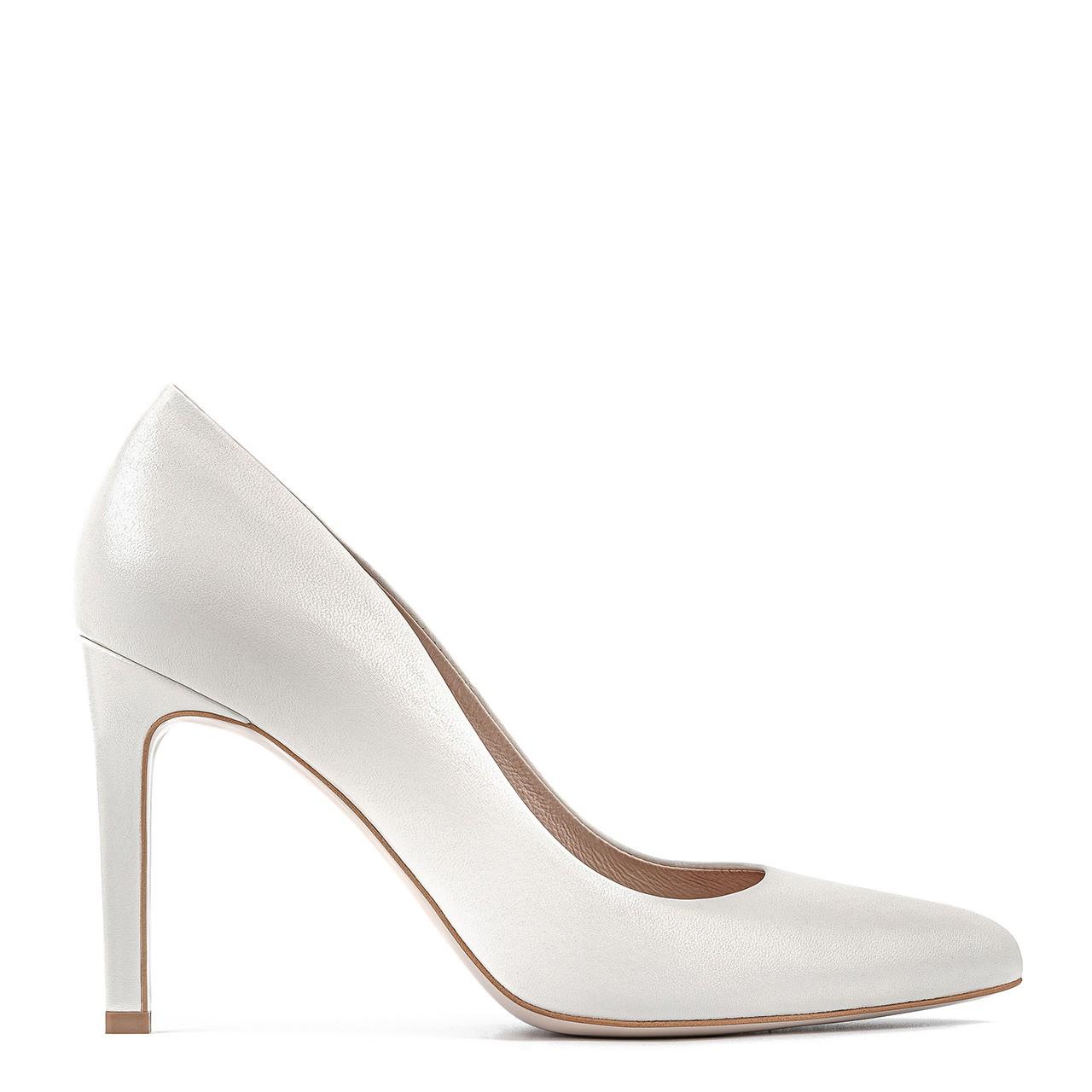 Białe skórzane buty ślubne