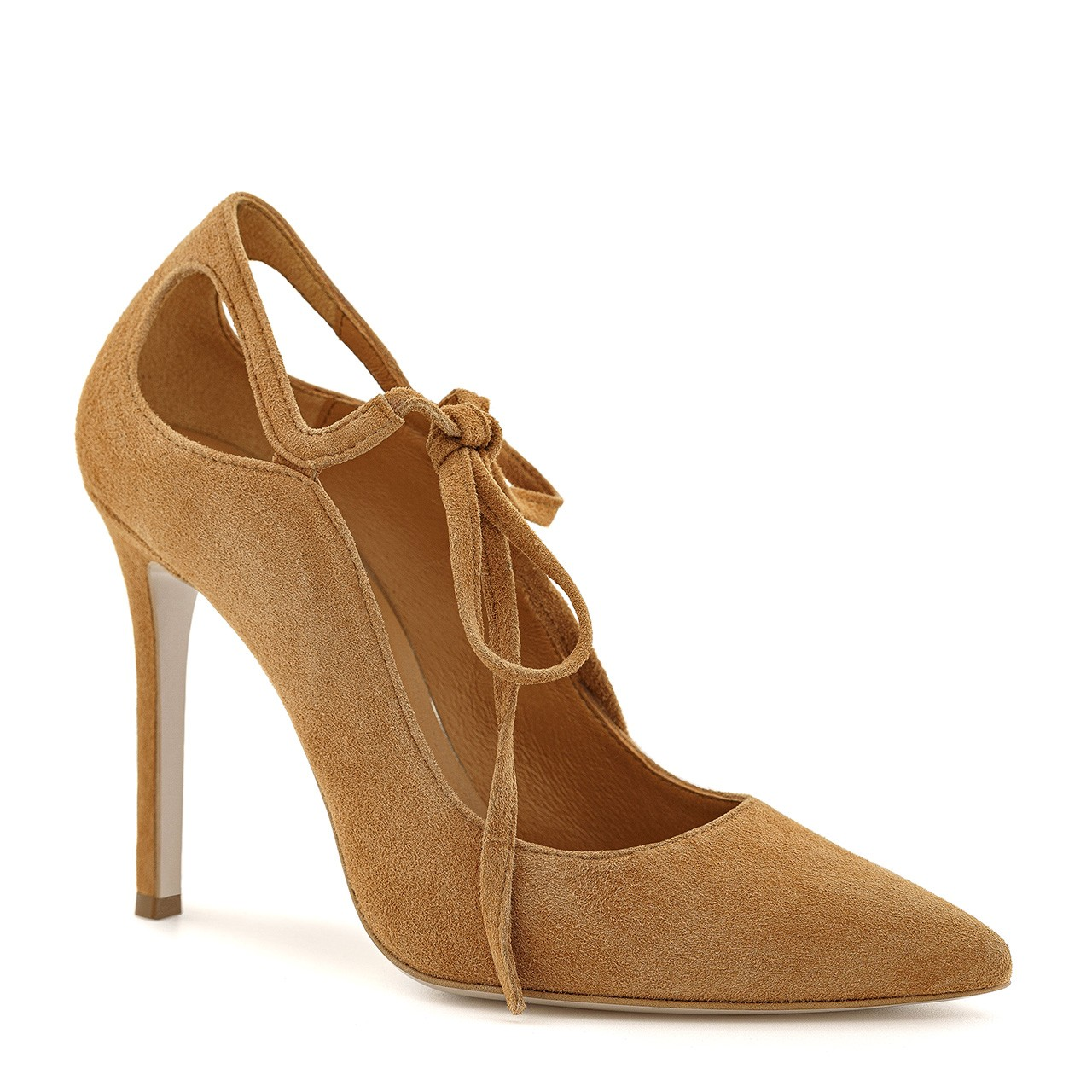 Zamszowe buty na wysokim obcasie w kolorze toffi z wiązaniem przy kostce