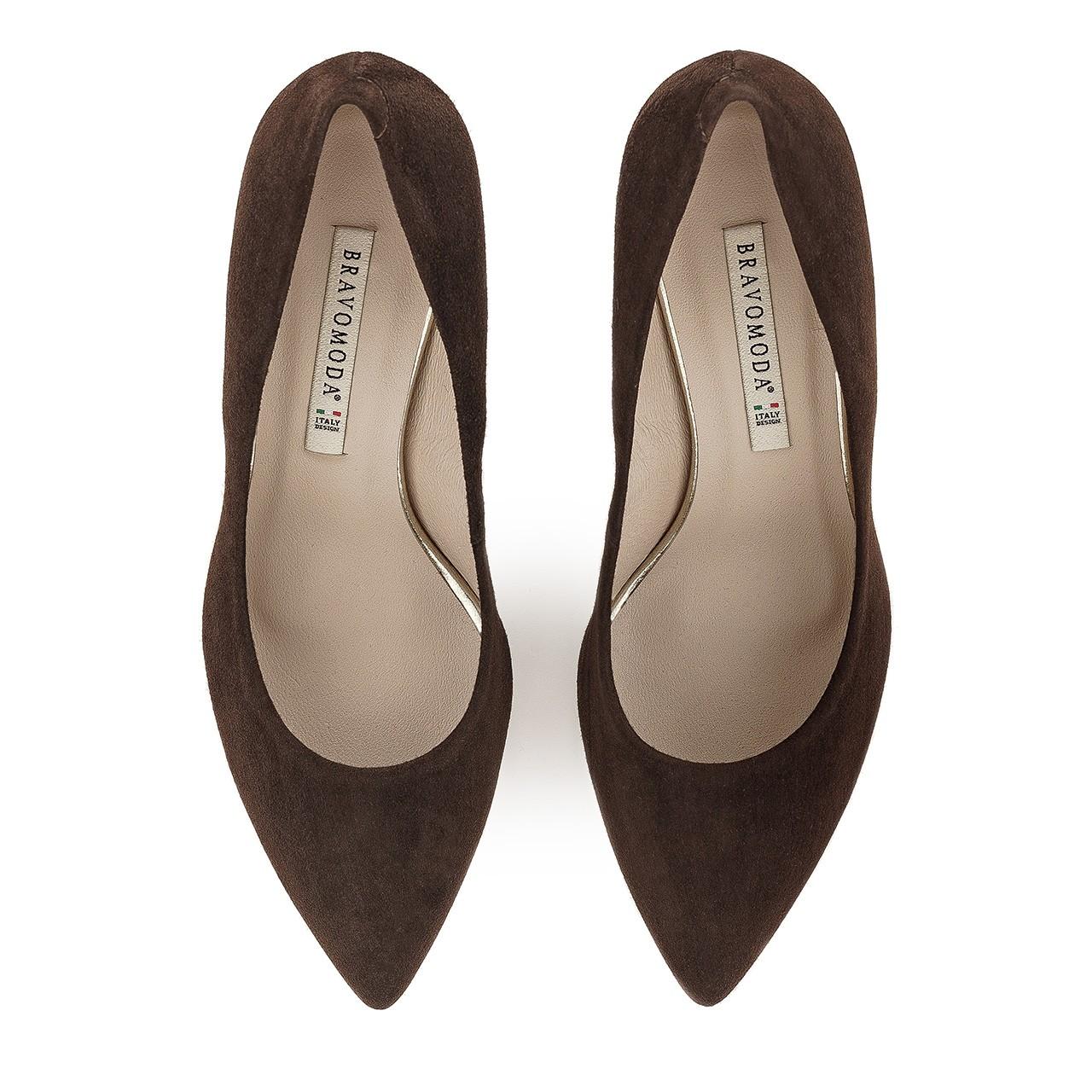 Ciemnobrązowe buty z naturalnej skóry zamszowej na stabilnym obcasie