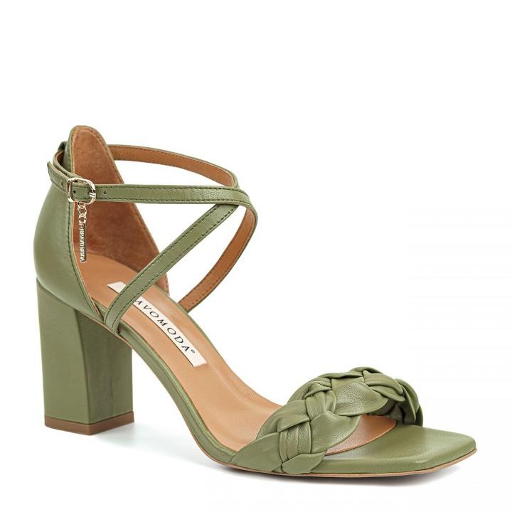 Skórzane, zielone sandałki z paseczkiem wokół kostki