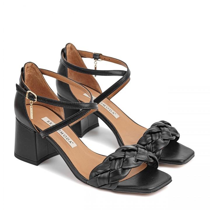 Czarne skórzane sandałki na szerokim obcasie