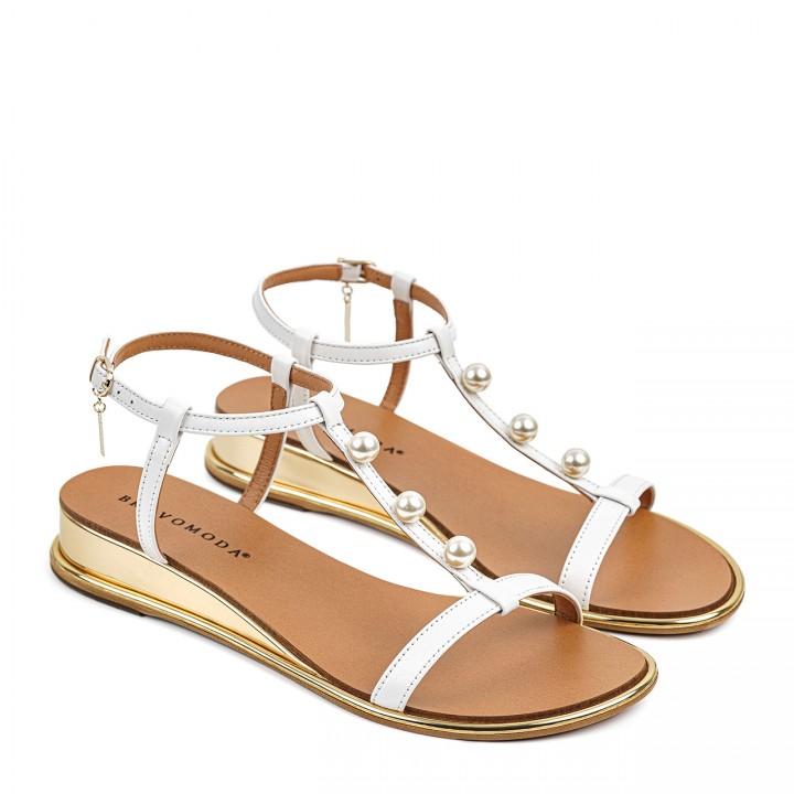 Eleganckie białe sandałki dla kobiet na niskim koturnie