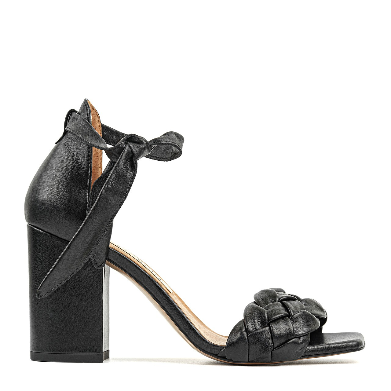 Czarne skórzane sandałki na wysokim obcasie