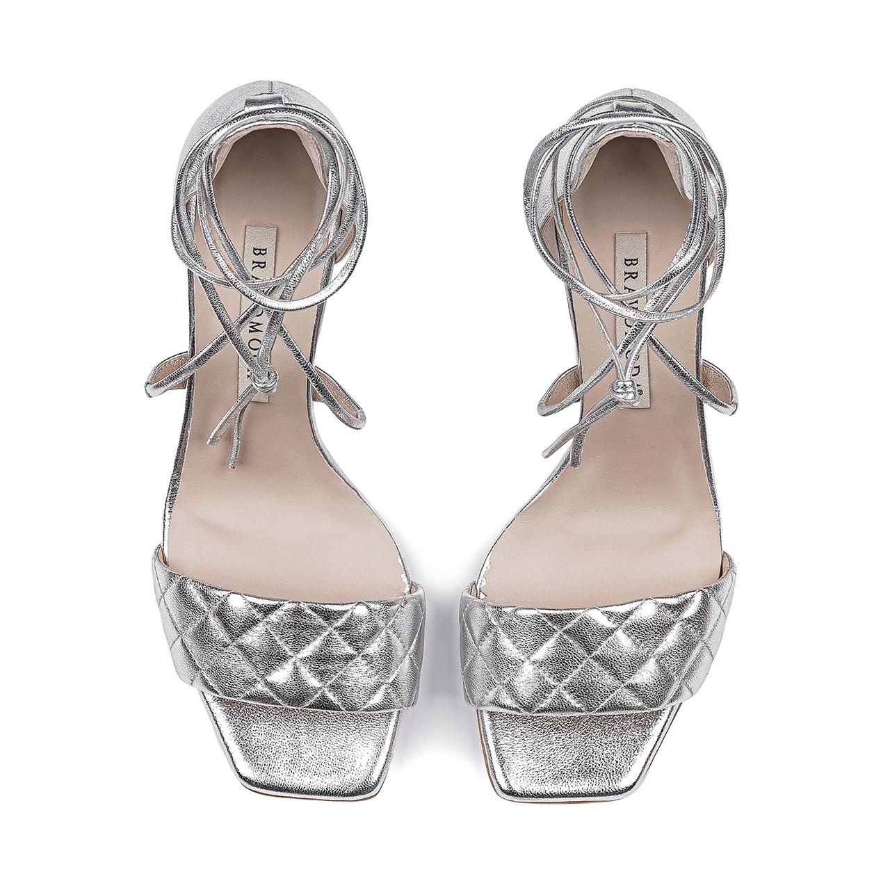 Srebrne skórzane sandały na szpilce