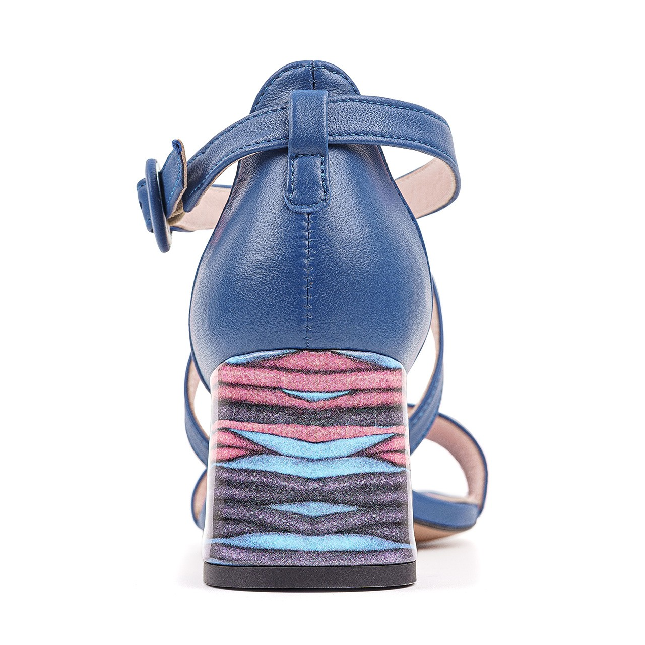 Niebieskie skórzane sandałki na słupku