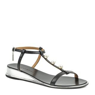 Subtelne czarne sandałki na płaskiej podeszwie