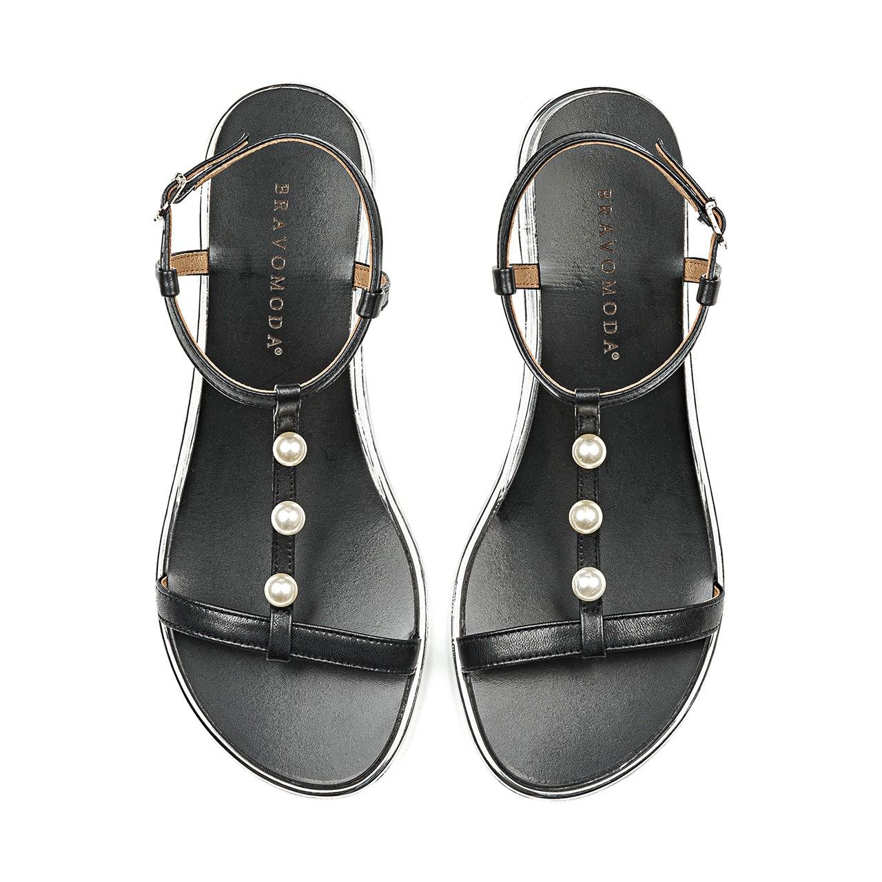Czarne skórzane sandałki na płaskiej podeszwie