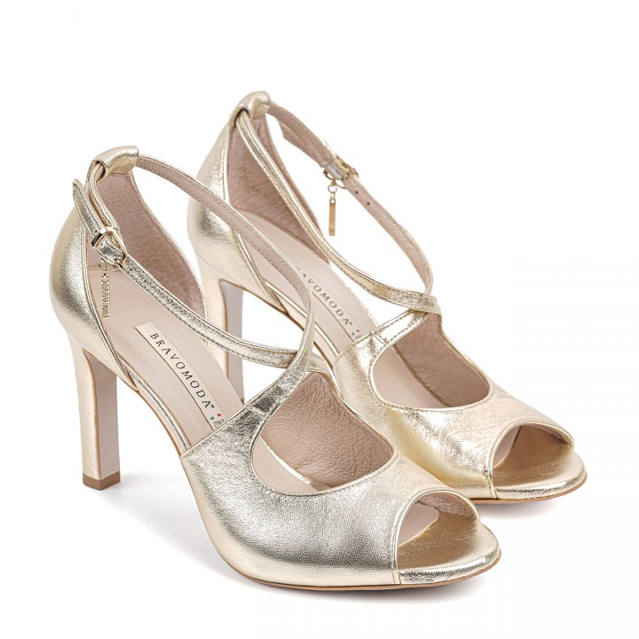 Złote sandały na stabilnej szpilce