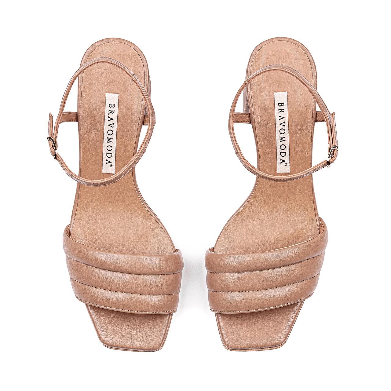 Skórzane sandały w kolorze toffi
