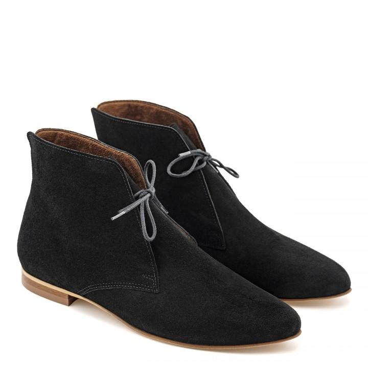 Czarne welurowe sznurowane botki na płaskiej podeszwie