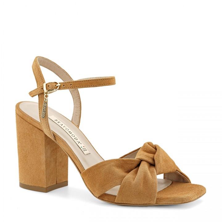 Kobiece sandałki na grubym słupku w kolorze toffi