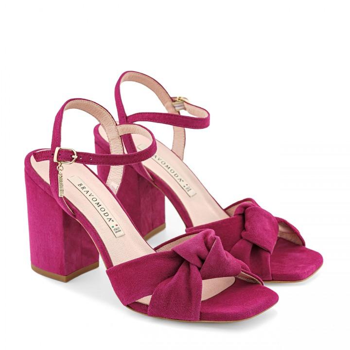 Sandałki na grubym obcasie w kolorze fuksji