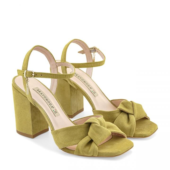 Sandałki z ozdobnym supełkiem w kolorze limonki