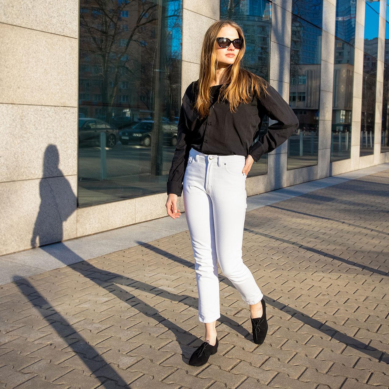 Jakie buty dobrać do jeansów?