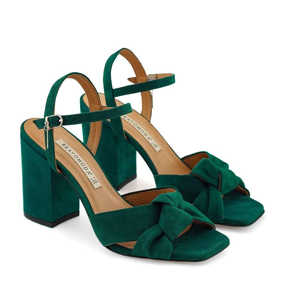 Zielone zamszowe sandały na słupku z ozdobnym supełkiem